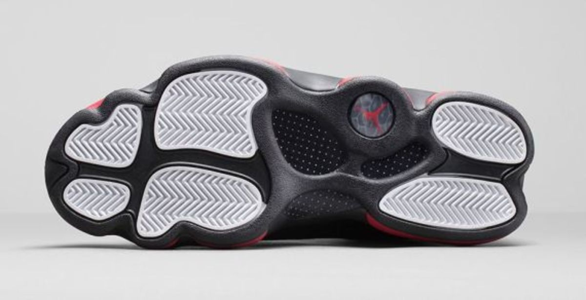 air-jordan-13-retro-black-gym-red-07