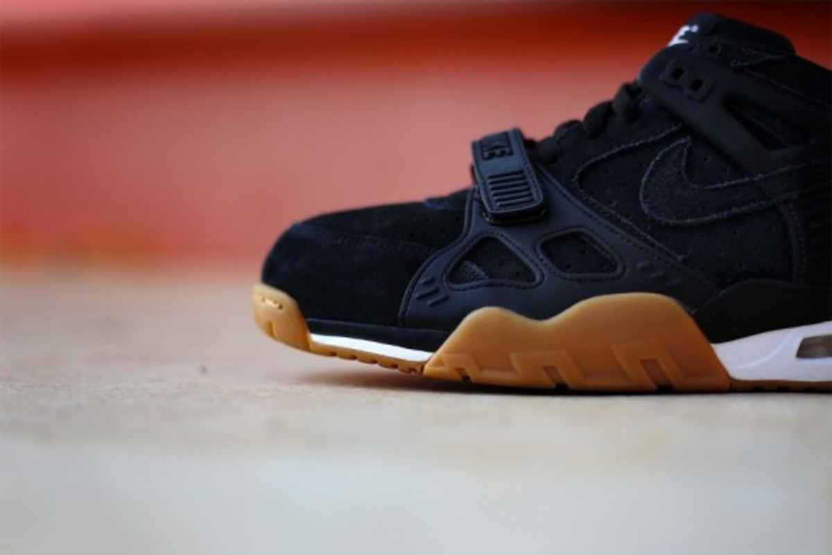 nike-air-trainer-3-gum-pack-09