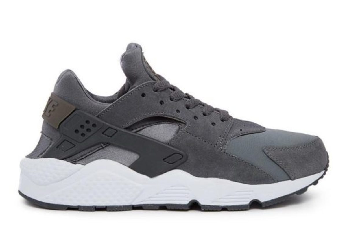 12-days-freshness-nike-air-huarache-02