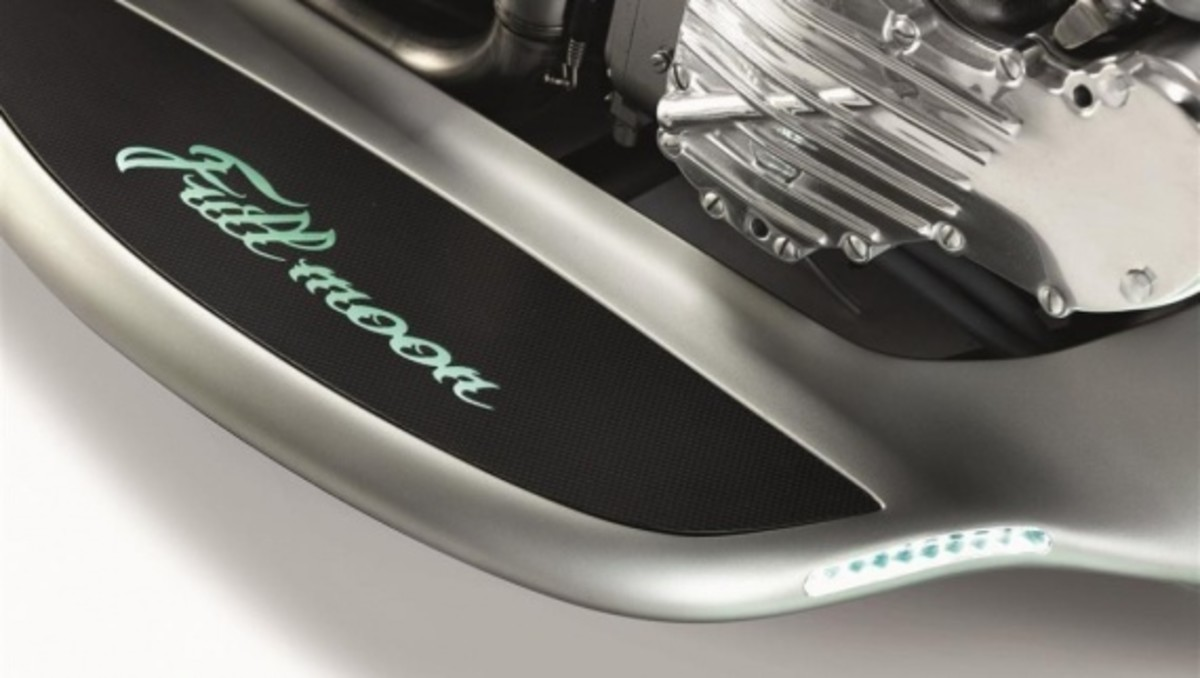 akrapovic-full-moon-motorcycle-concept-05