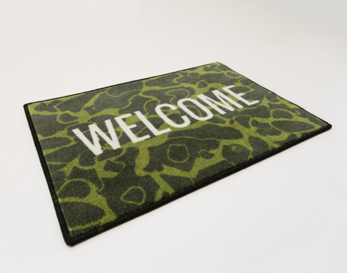 distinct-life-spilled-welcome-rug-01