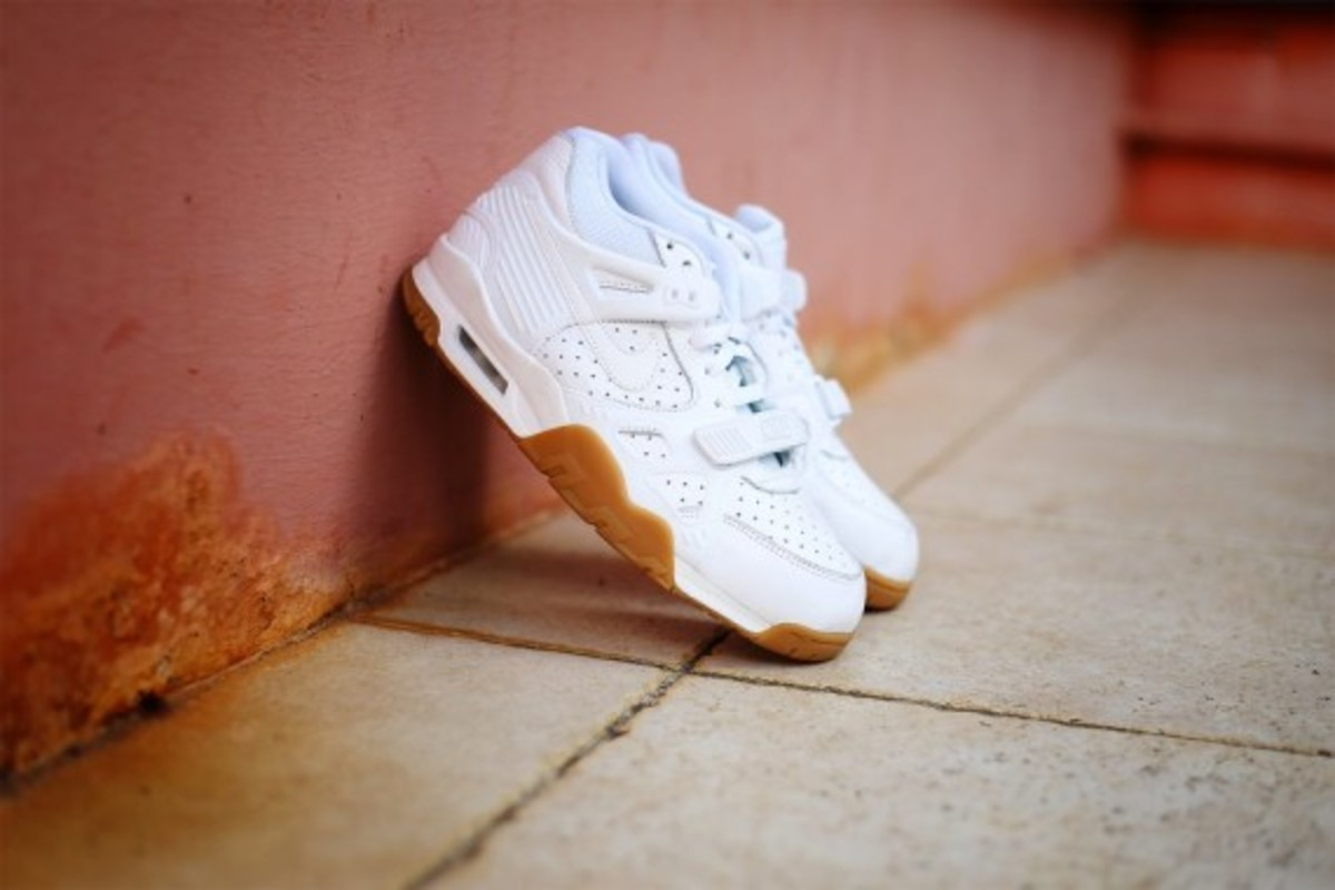 nike-air-trainer-3-gum-pack-02