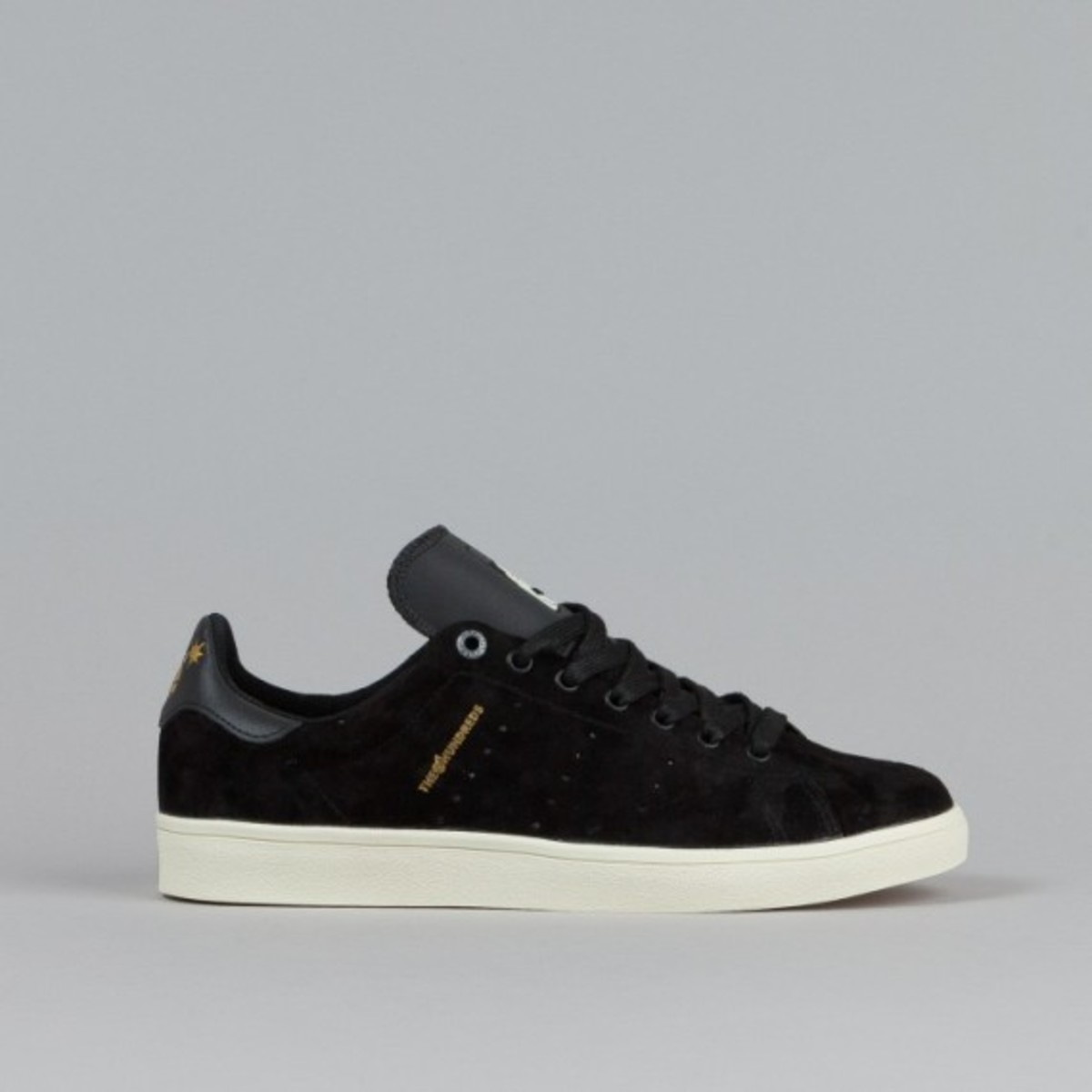 adidas-stan-smith-vulc-black-black-white-09