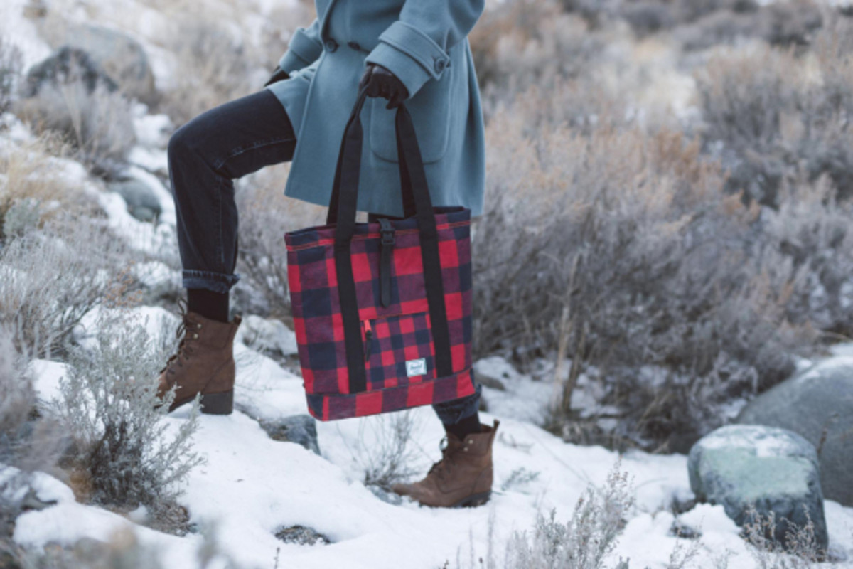 herschel-supply-holiday-2014-buffalo-plaid-collection-05