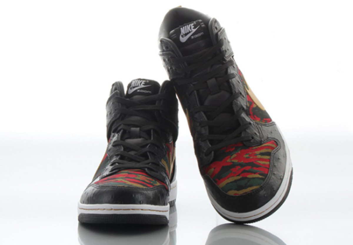 nike-sb-dunk-high-cmft-prm-qs-black-flat-gold-06
