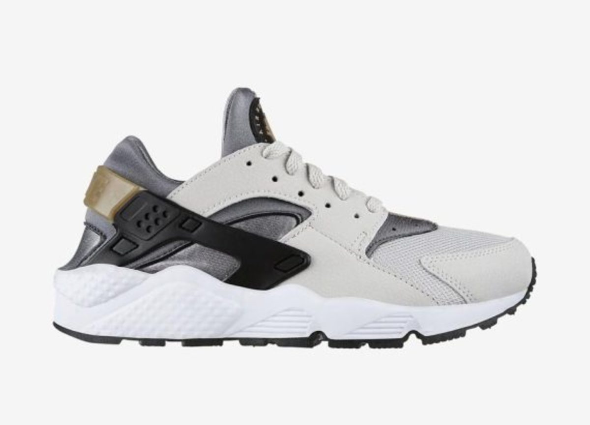 12-days-freshness-nike-air-huarache-03