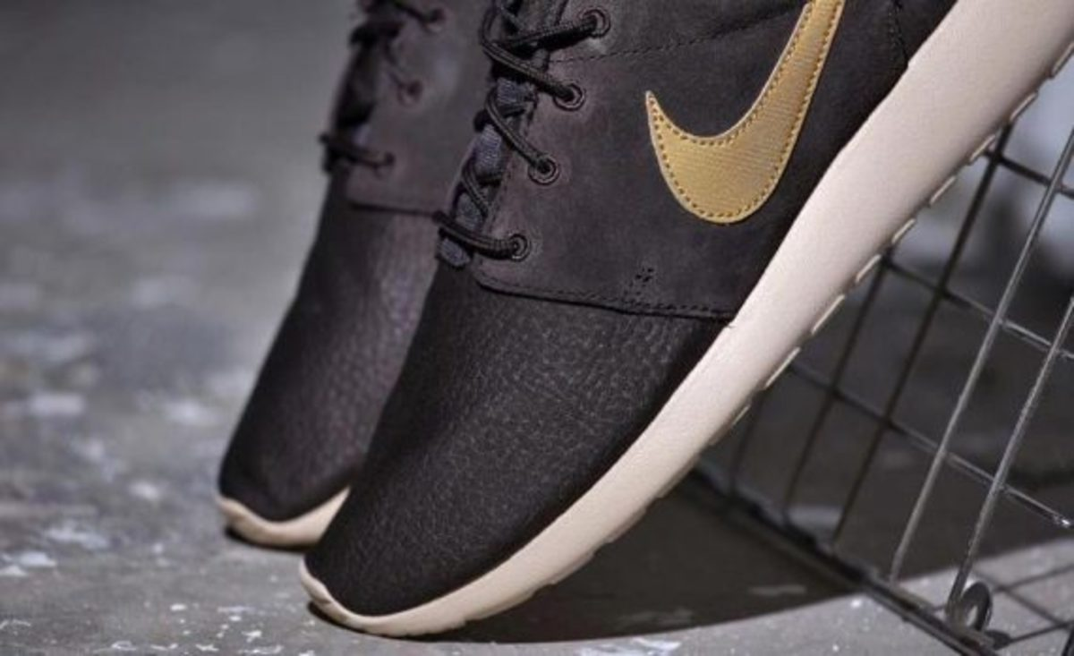 nike-roshe-run-suede-brown-velvet-04