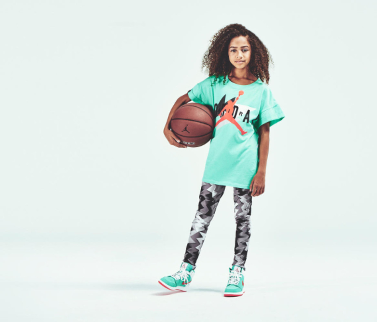 jordan-brand-announces-extended-grade-school-sizing-for-girls-07