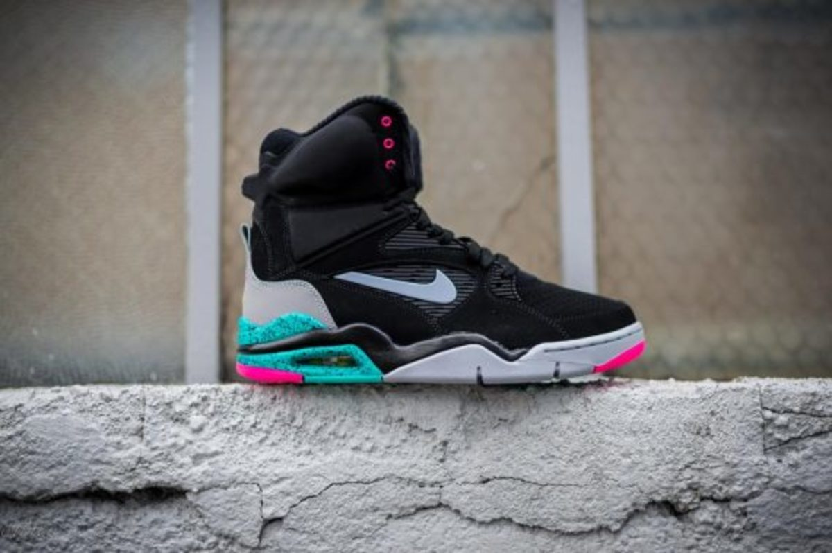 nike-air-command-force-spurs-01