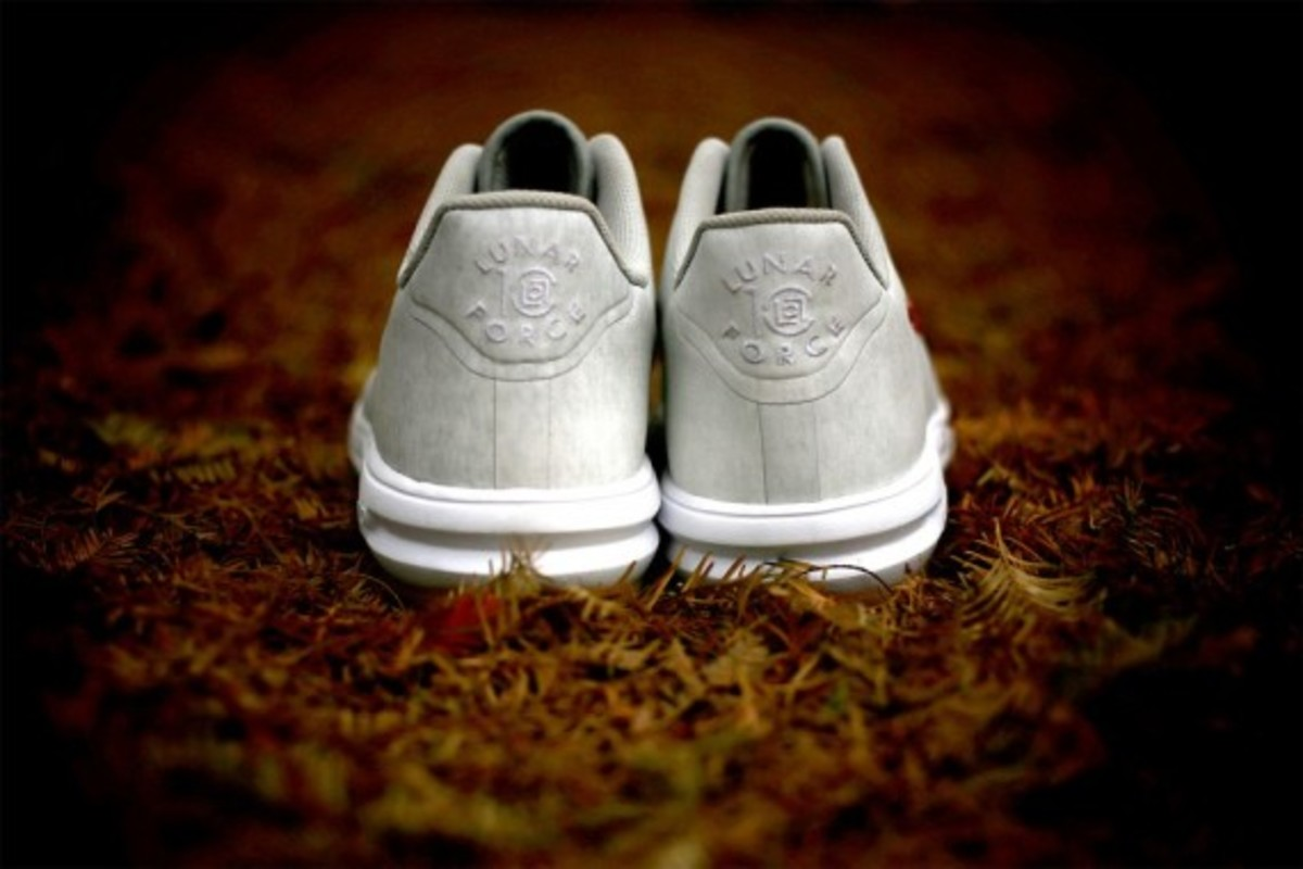 clot-nike-lunar-force-1-10th-anniversary-07