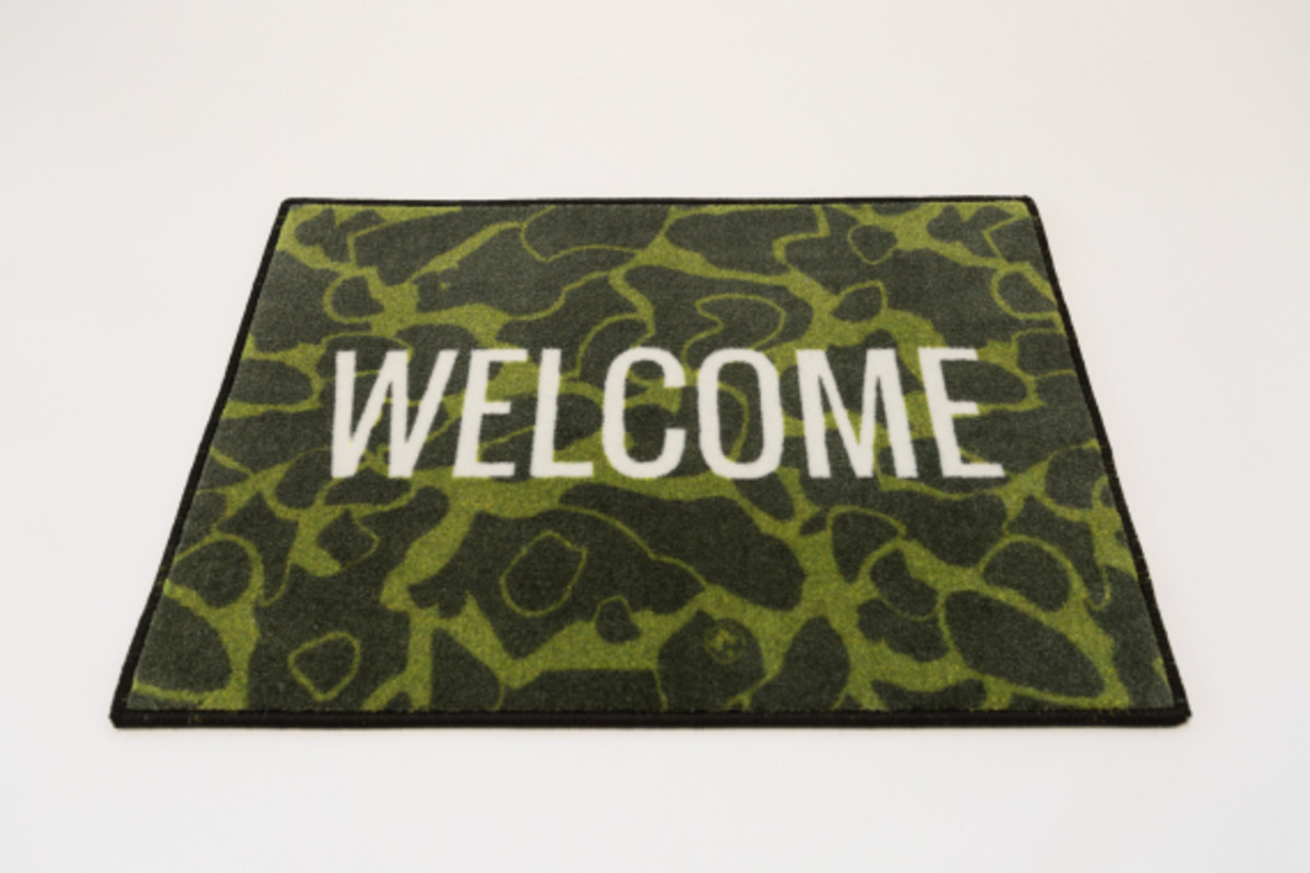 distinct-life-spilled-welcome-rug-02