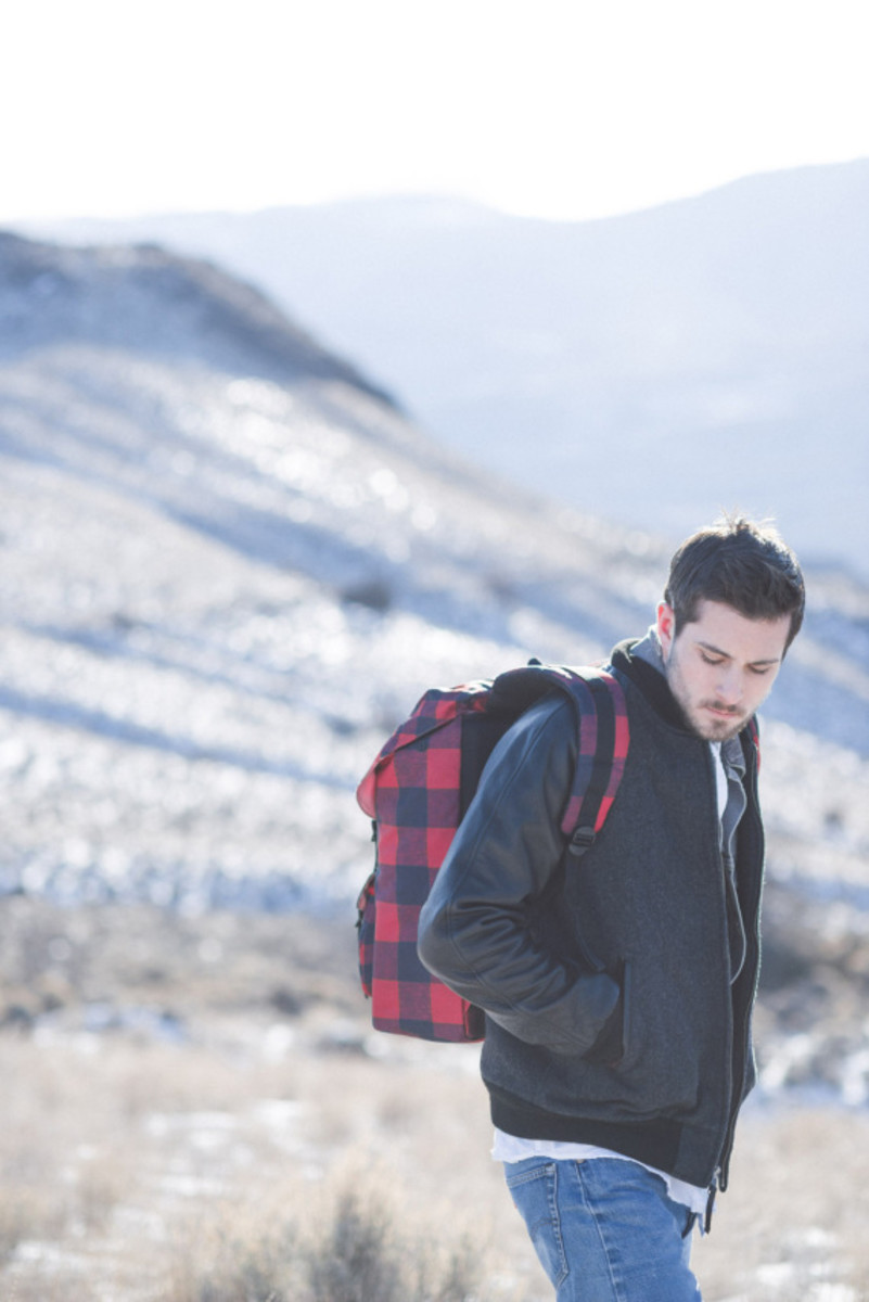herschel-supply-holiday-2014-buffalo-plaid-collection-04