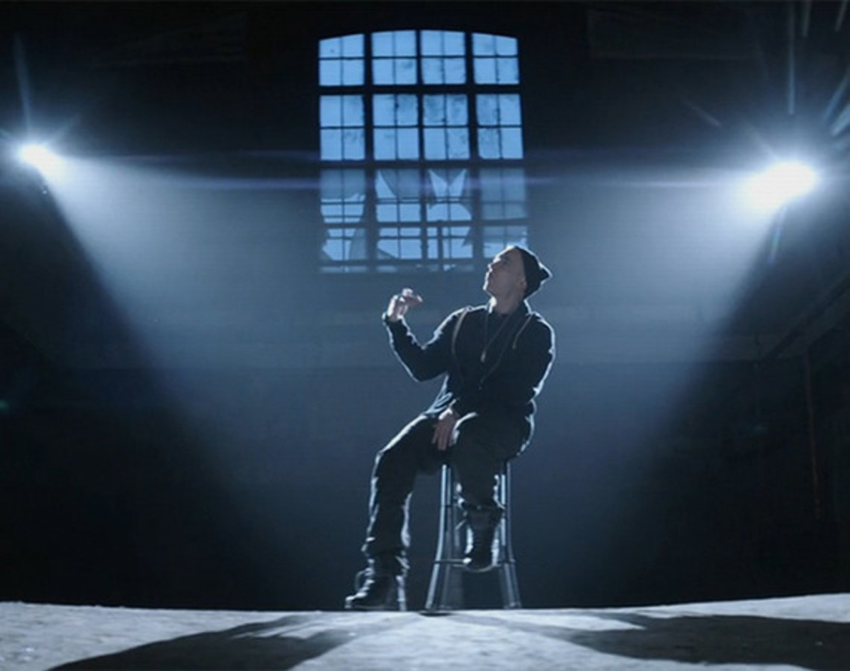 eminem-guts-over-fear-ft-sia-video