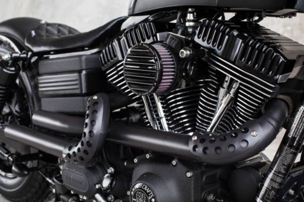 harley-davidson-2009-fat-bob-dyna-guerilla-by-rough-crafts-07