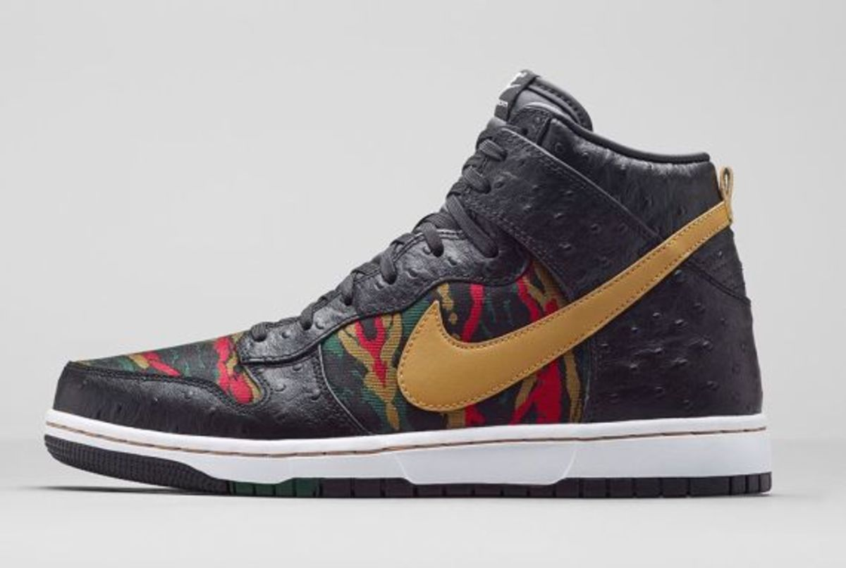 nike-dunk-high-cmft-prm-black-flat-gold-release-info-02