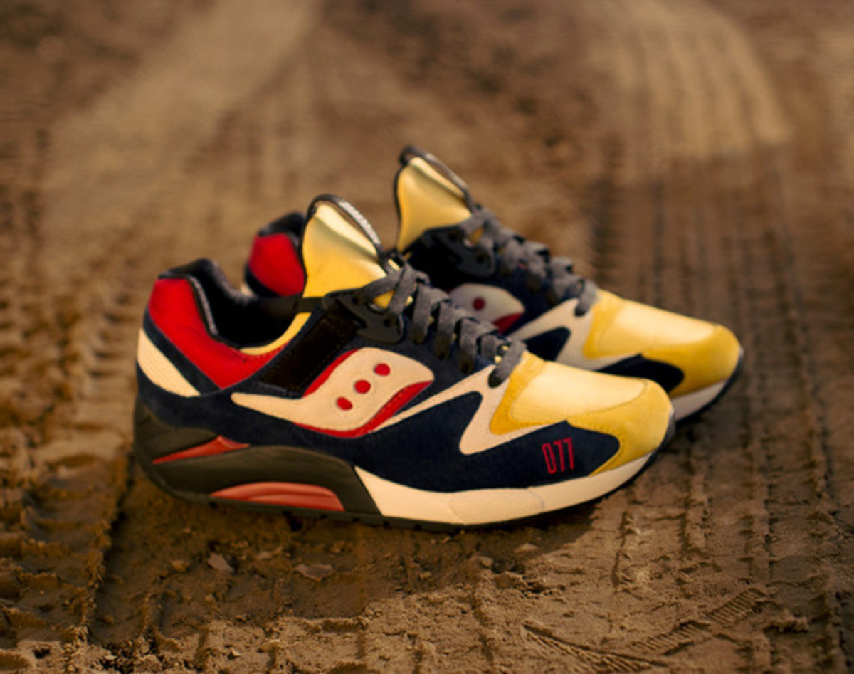 play-cloths-saucony-shadow-grid-9000-motocross-01