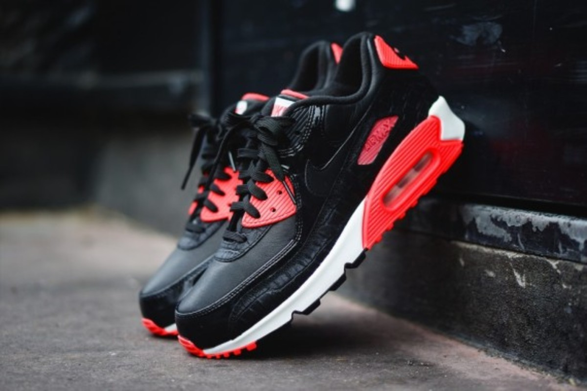 """Nike Air Max 90 """"Infrared Croc</p>                     </div>                     <!--bof Product URL -->                                         <!--eof Product URL -->                     <!--bof Quantity Discounts table -->                                         <!--eof Quantity Discounts table -->                 </div>                             </div>         </div>     </div>              </form>  <div style="""
