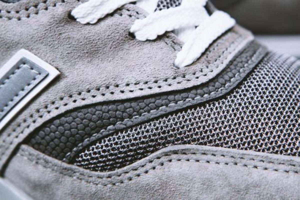 new-balance-m997gy-made-in-usa-up-there-05