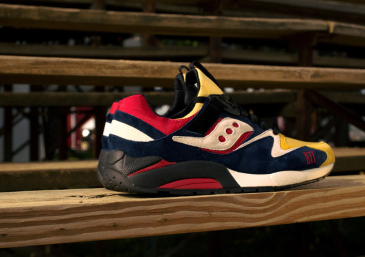 play-cloths-saucony-shadow-grid-9000-motocross-02