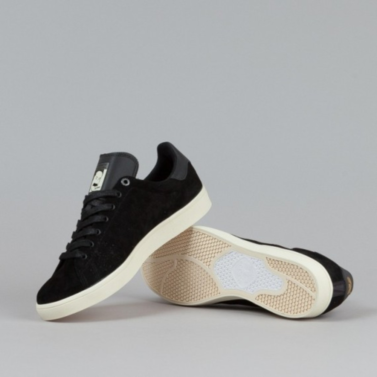 adidas-stan-smith-vulc-black-black-white-02