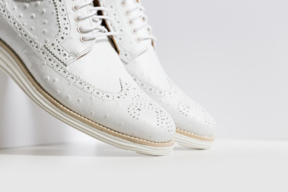 cole-haan-lunargrand-long-wingtip-ostrich-pack-08