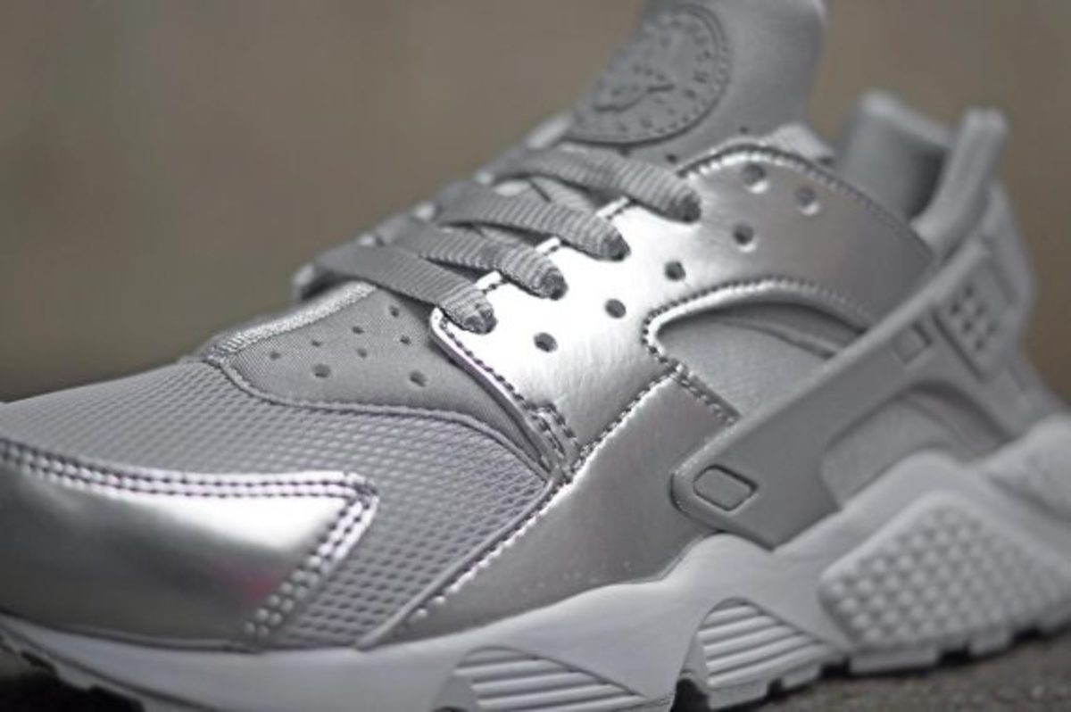 nike-wmns-silver-pack-02