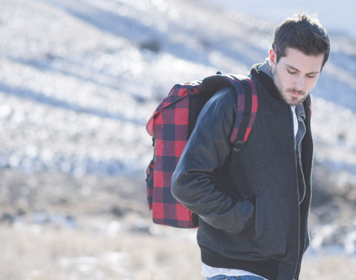 herschel-supply-holiday-2014-buffalo-plaid-collection-01