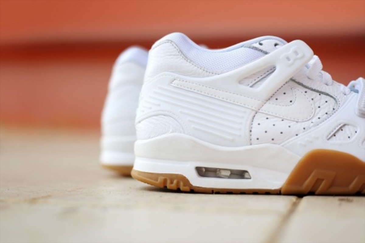 nike-air-trainer-3-gum-pack-03