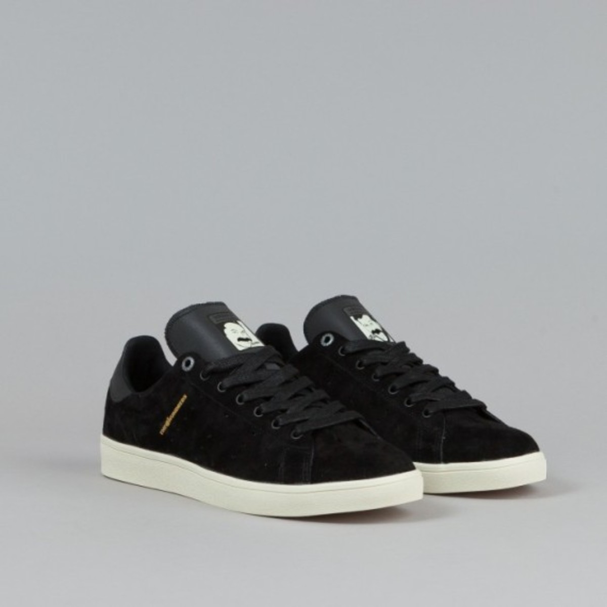 adidas-stan-smith-vulc-black-black-white-01