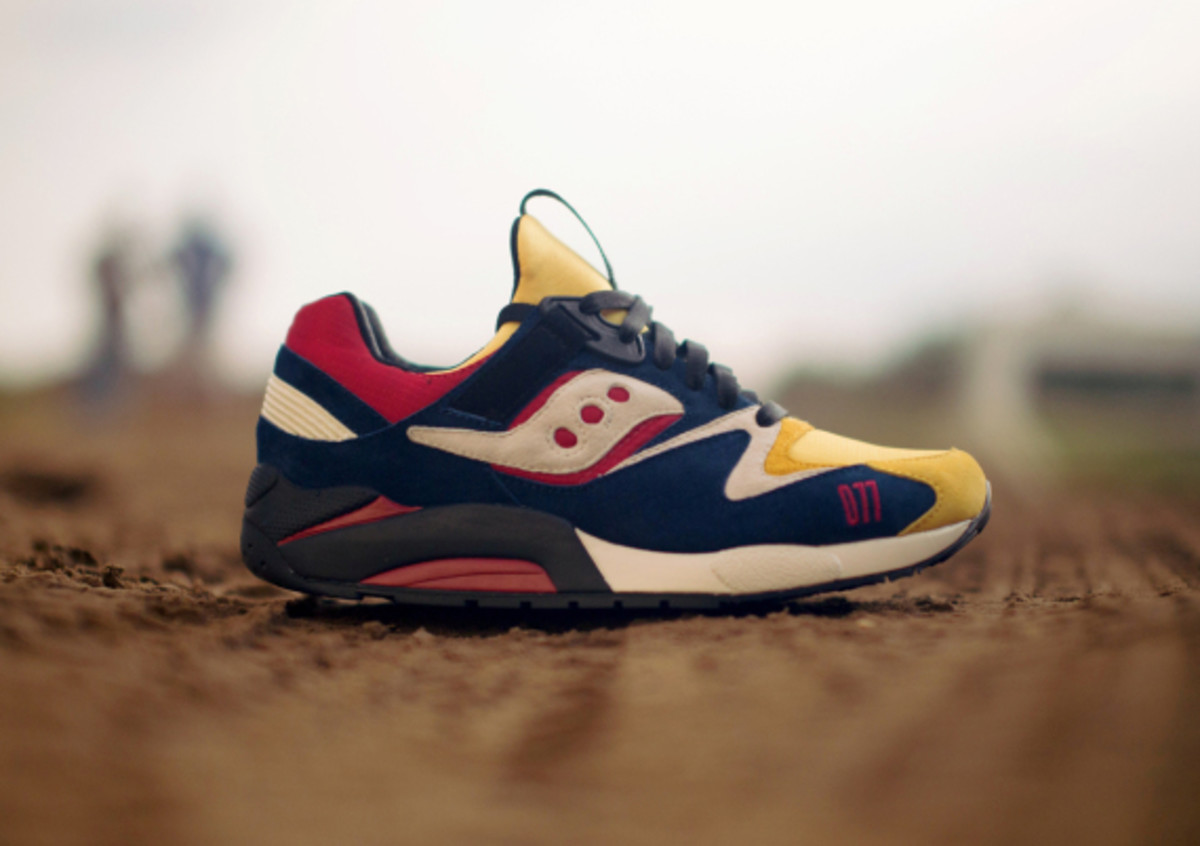 play-cloths-saucony-shadow-grid-9000-motocross-03