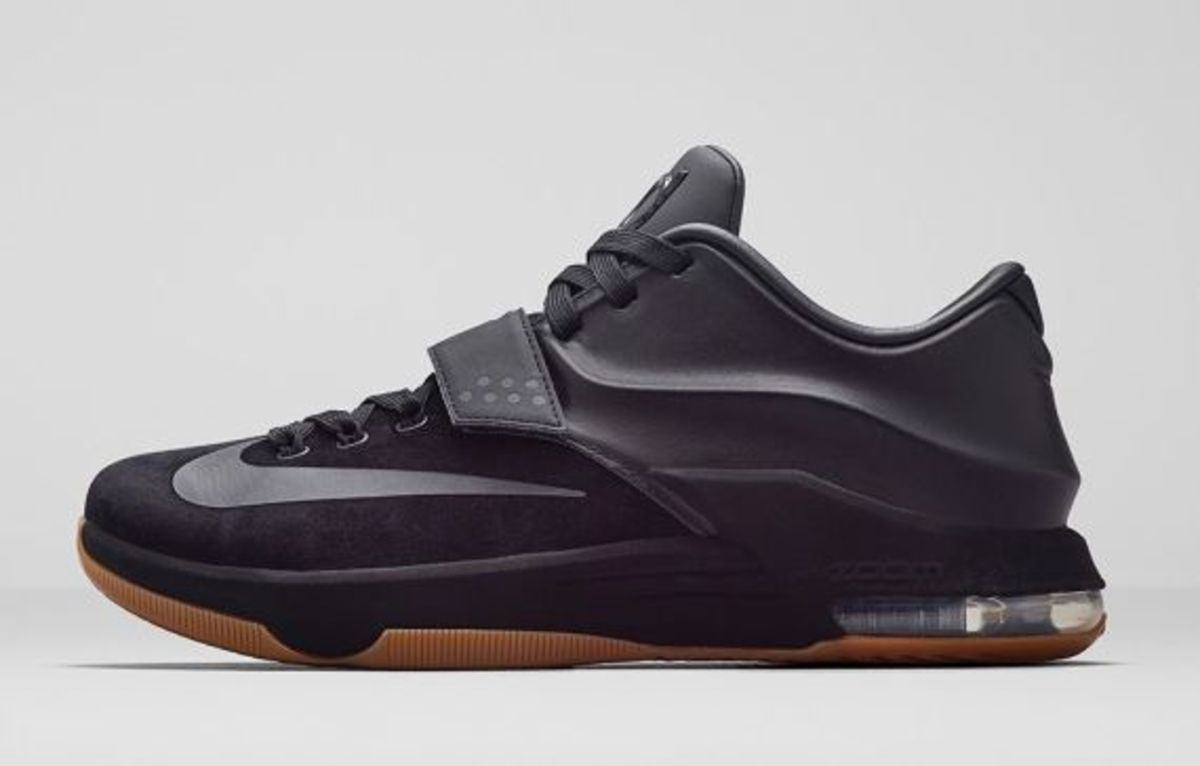 nike-kd-7-ext-black-suede-01