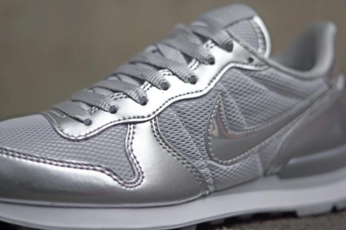 nike-wmns-silver-pack-04