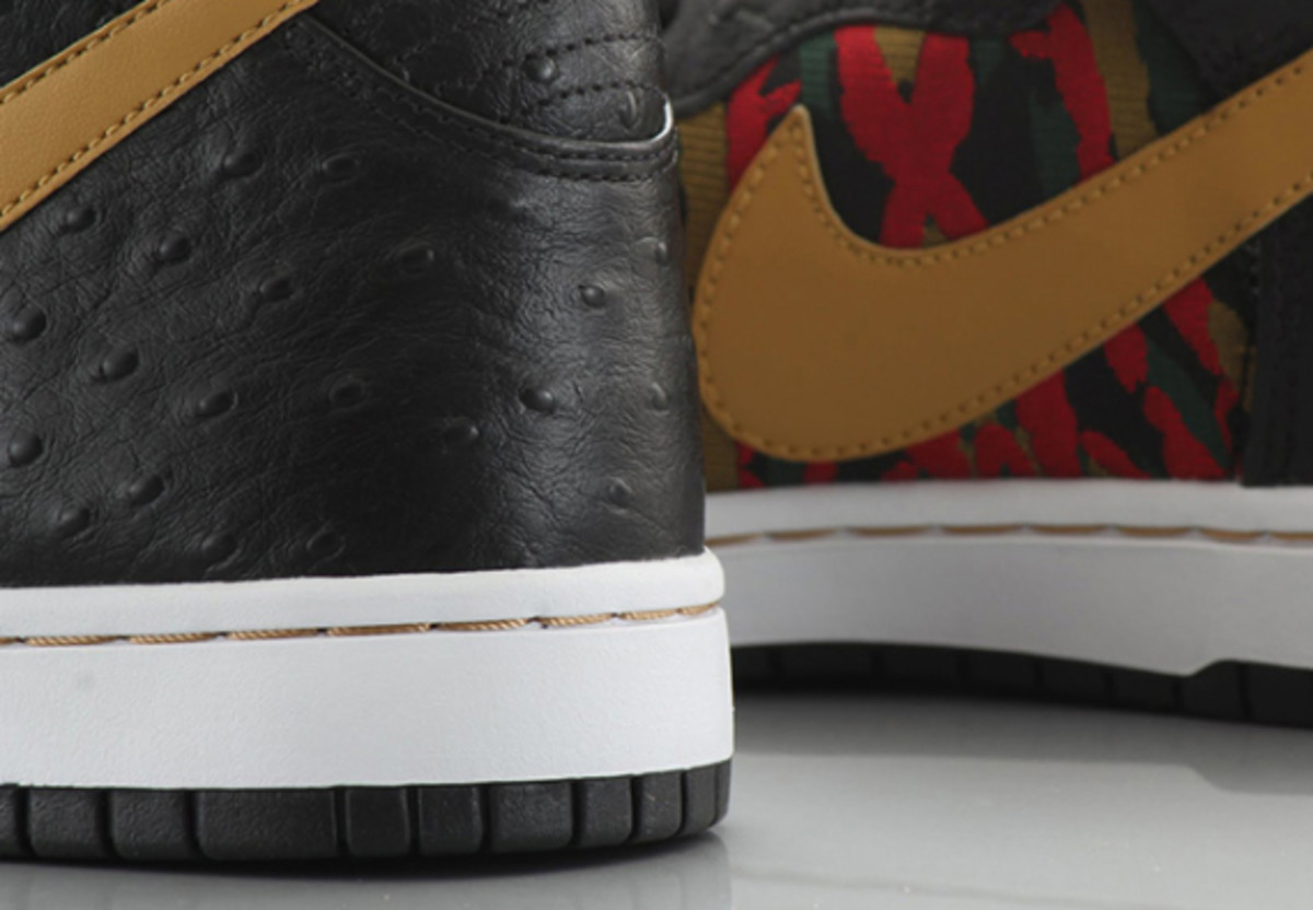 nike-sb-dunk-high-cmft-prm-qs-black-flat-gold-08