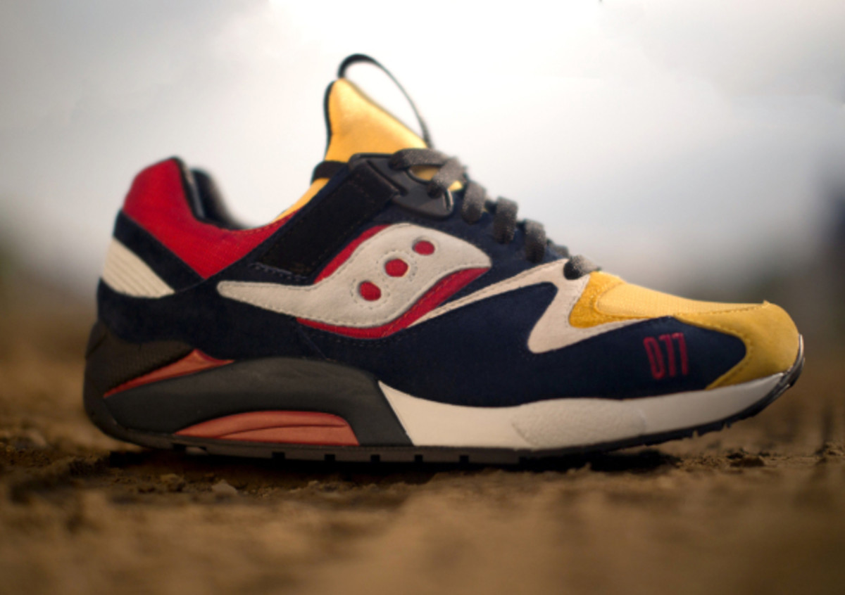 play-cloths-saucony-shadow-grid-9000-motocross-06