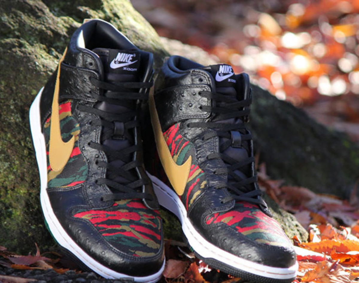 nike-sb-dunk-high-cmft-prm-qs-black-flat-gold-01