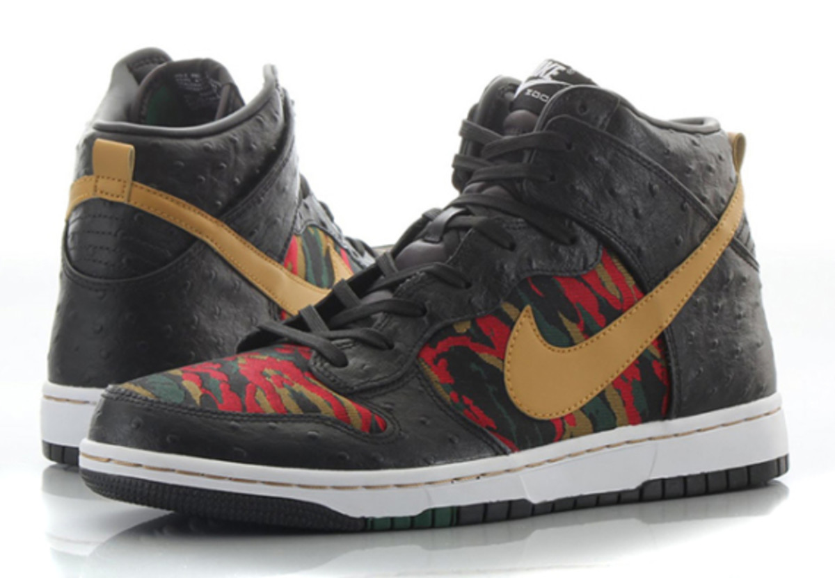 nike-sb-dunk-high-cmft-prm-qs-black-flat-gold-04
