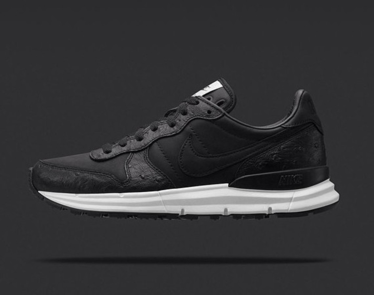 soph-nike-lunar-internationalist-01