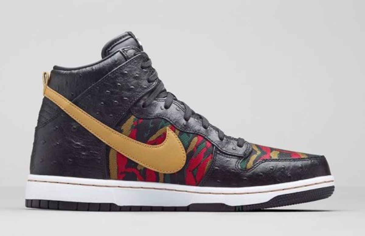 nike-dunk-high-cmft-prm-black-flat-gold-release-info-04
