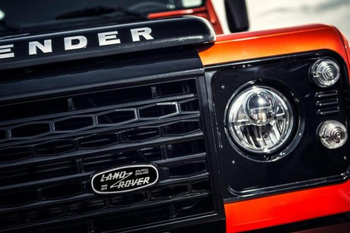 land-rover-limited-edition-defenders-08