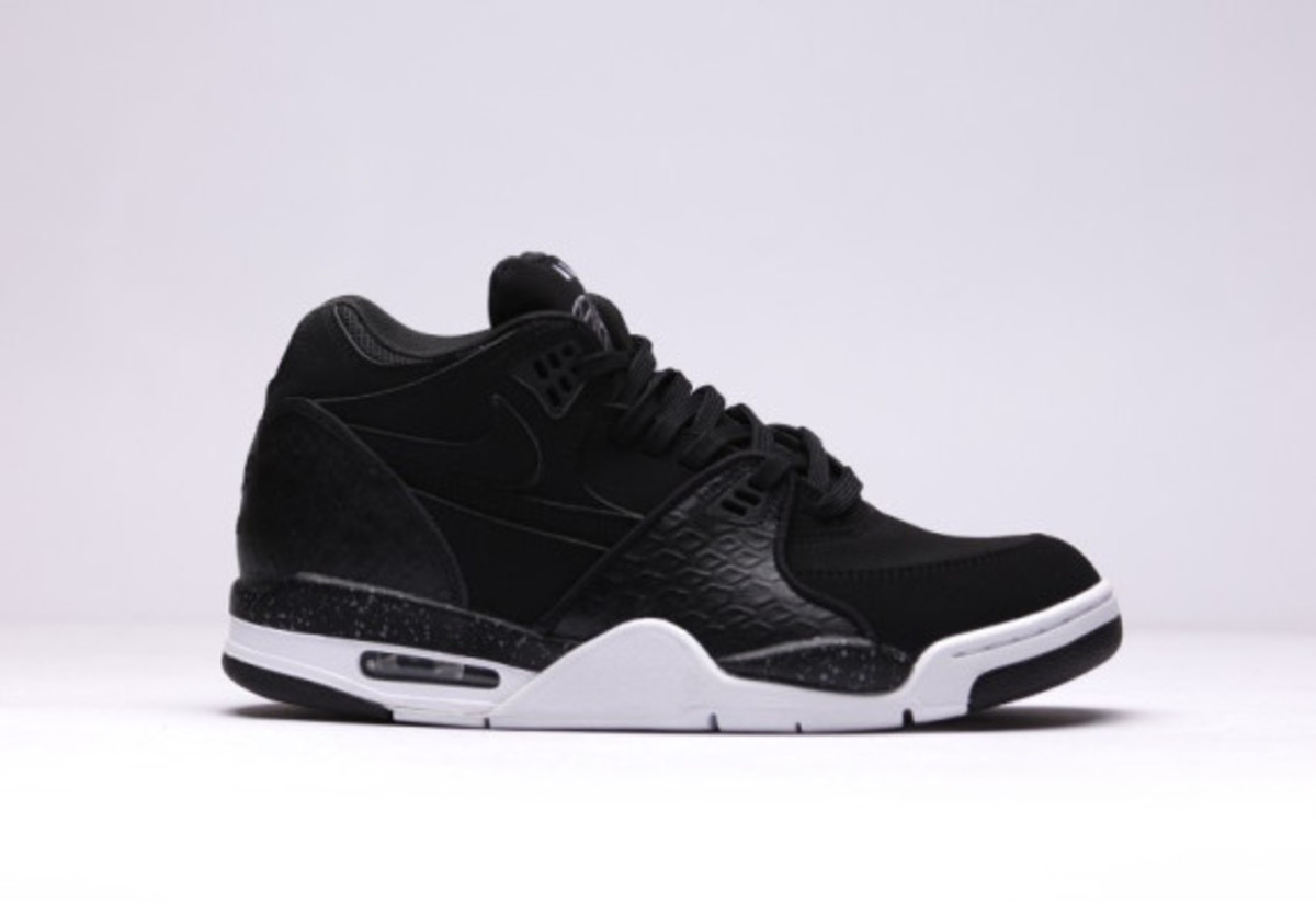 nike-air-flight-89-black-reptile-02
