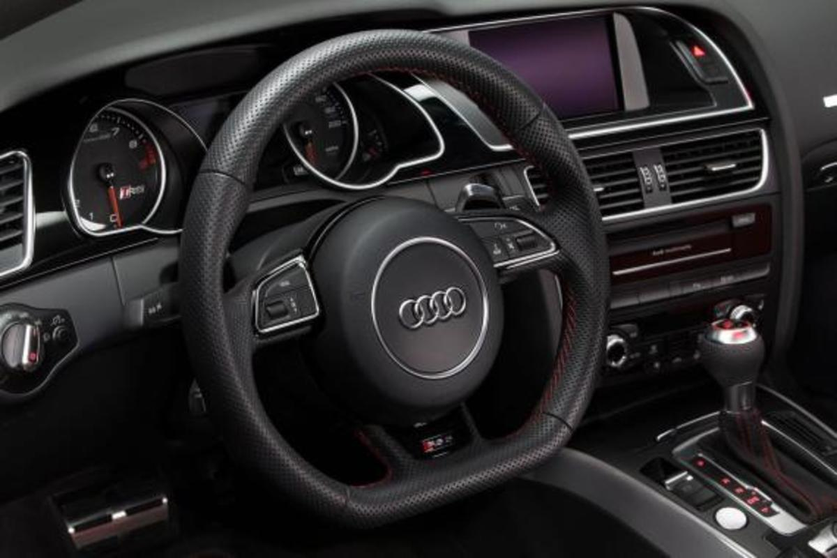 2015-audi-rs-5-coupe-sport-edition-05