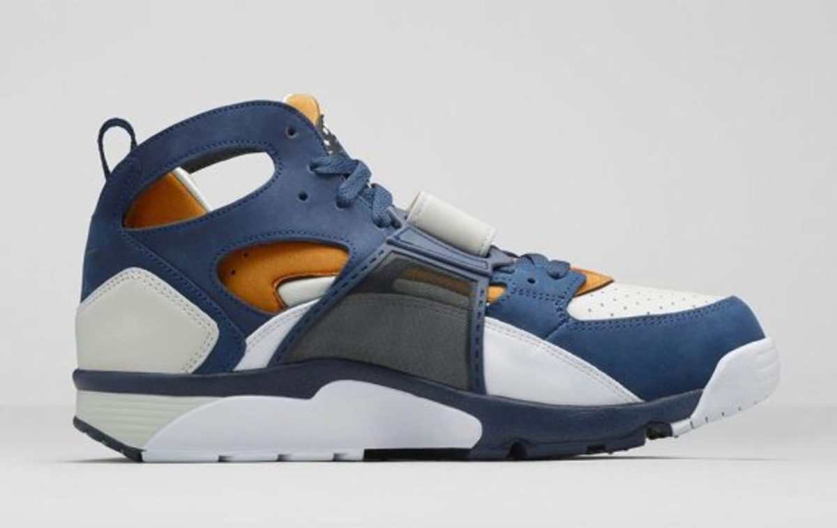 nike-air-trainer-medicine-ball-collection-nikestore-release-11
