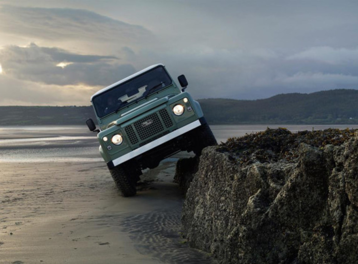 land-rover-limited-edition-defenders-05