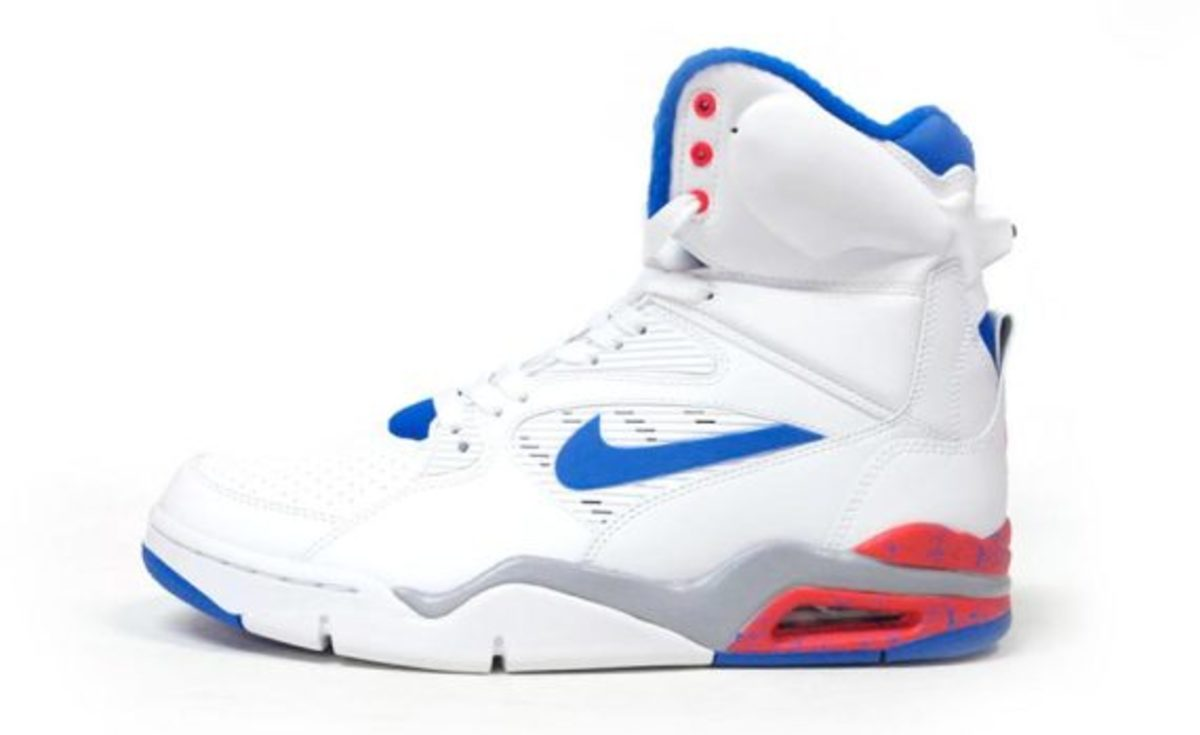 nike-air-command-force-ultramarine-another-look-01