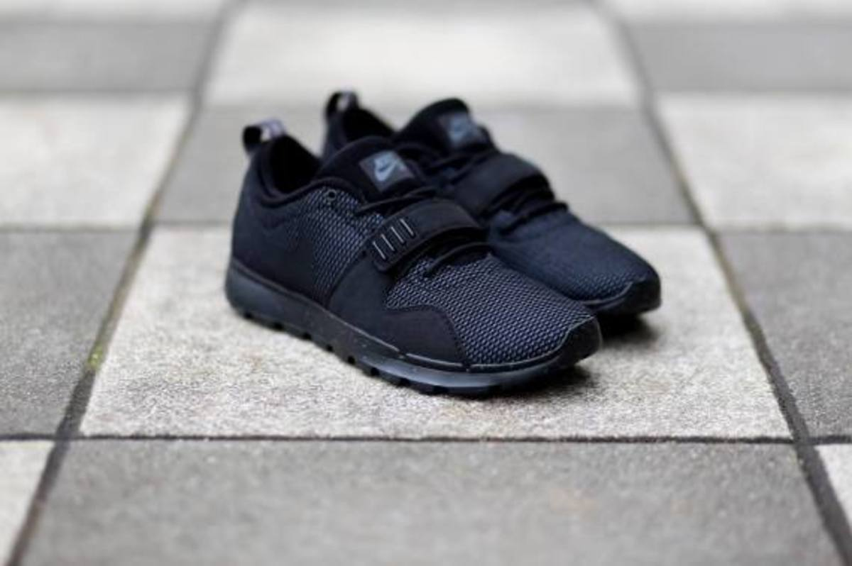 nike-sb-trainerendor-black-dark-grey-03