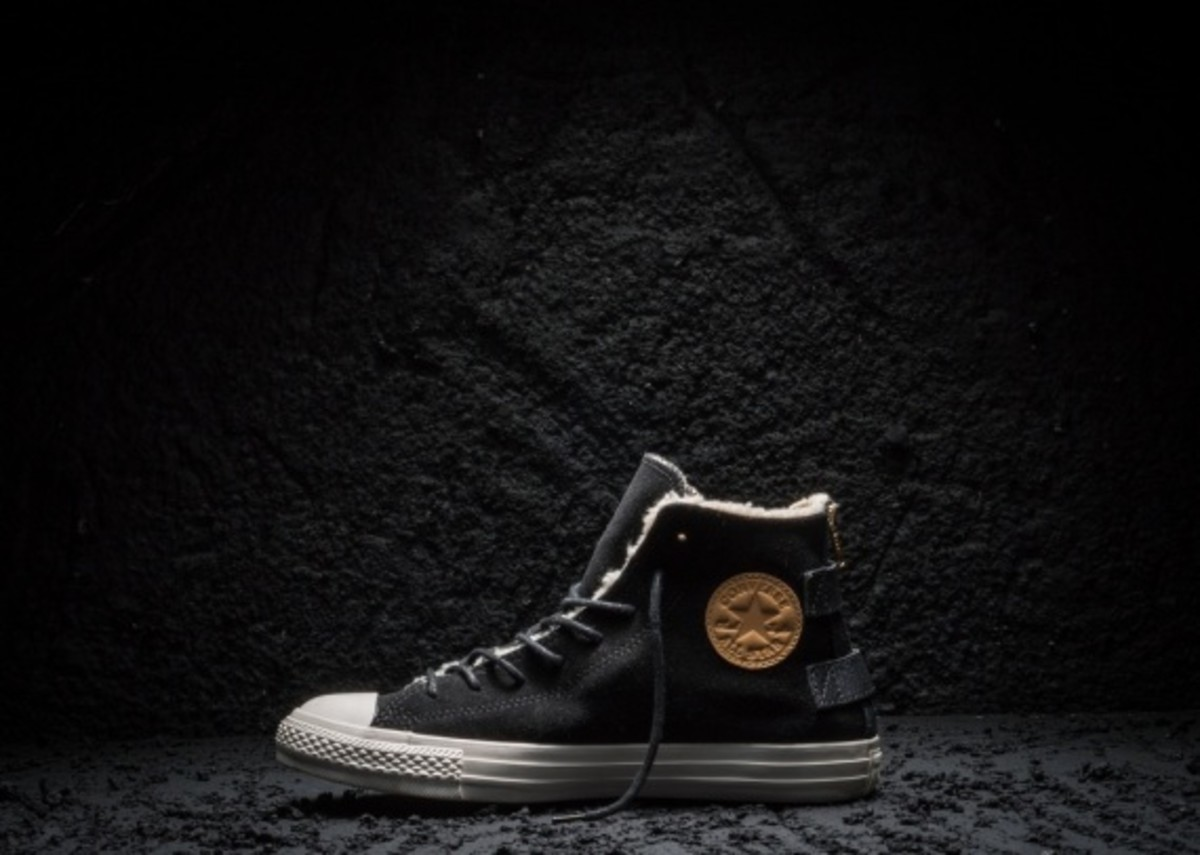 Converse Chuck Taylor All Star Black and Gold