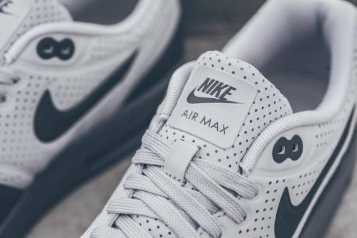 nike-air-max-1-ultra-moire-neutral-dark-grey-01