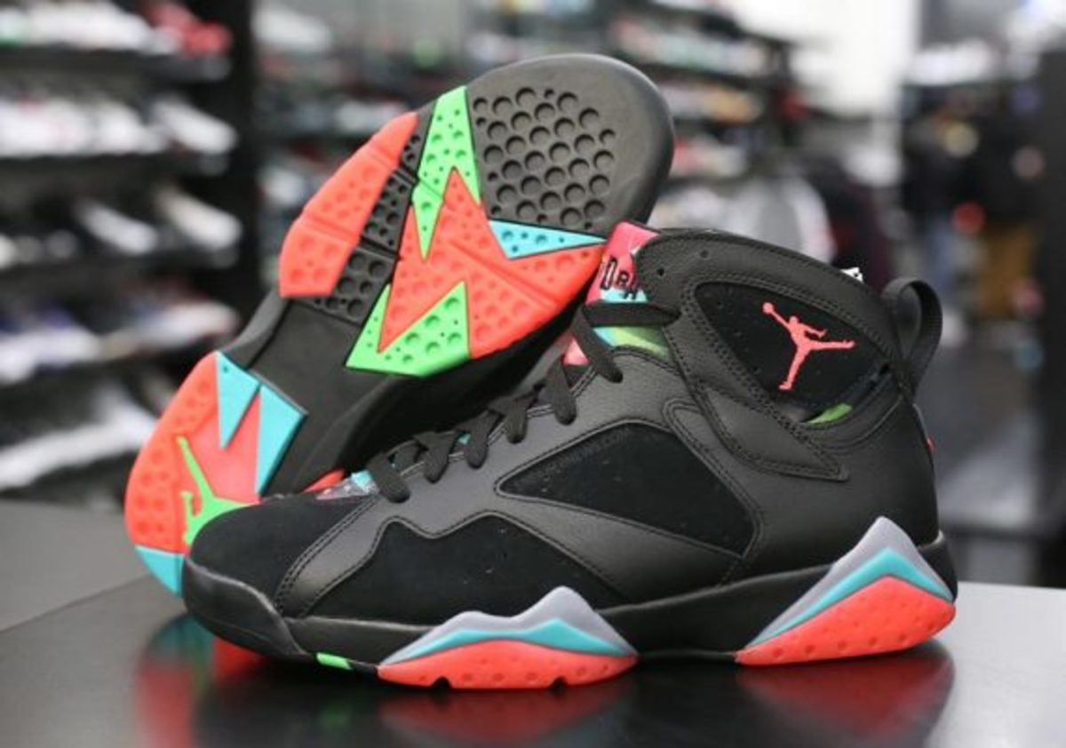 air-jordan-7-marvin-the-martian-preview-02