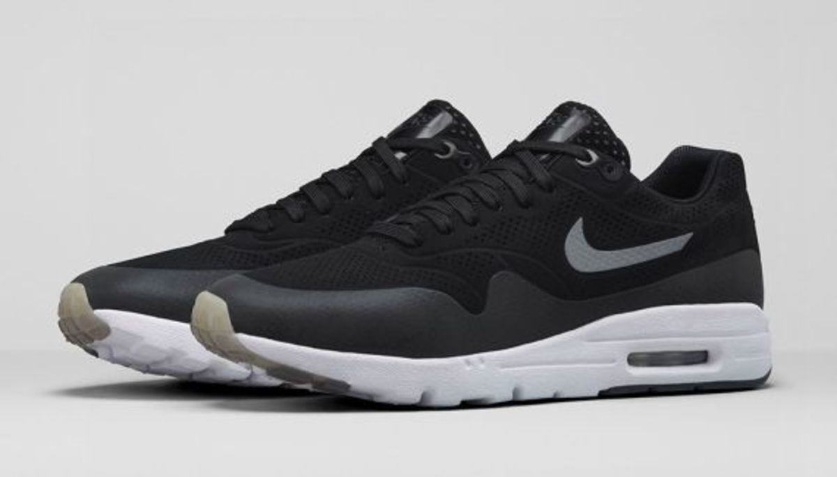 Women's Nike Air Max 1 Ultra Moire 704995-001 Black/Metallic Silver/White/Black