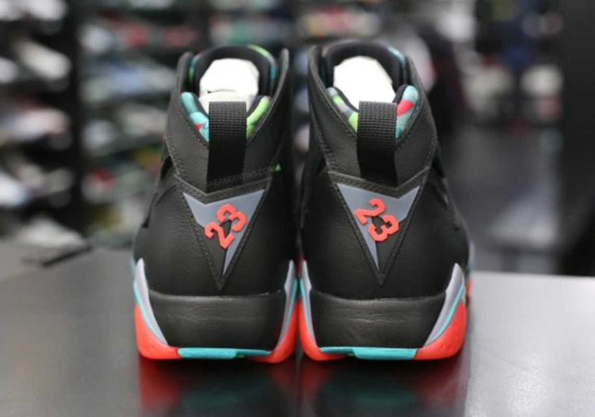 air-jordan-7-marvin-the-martian-preview-04